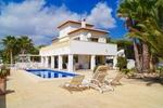 4 bedroom Villa for sale in Moraira €749,000