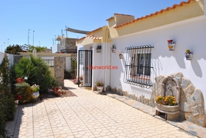 3 bedroom Villa for sale in Alicante