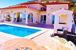 8 bedroom Villa for sale in Benitachell
