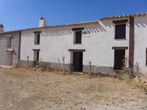3 bedroom Finca for sale in El Margen