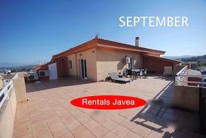 2 bedroom Apartment to rent in Javea