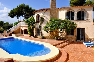 Bargain villa for sale Balcon al Mar Javea