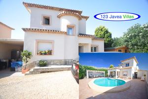 Modern villa for sale in Beniarbeig