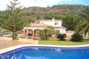 4 bedroom Villa to rent in Javea