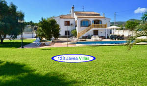 Bargain 4 bedroom villa for sale in Javea