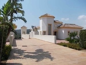 3 bedroom Apartment for sale in San Roque