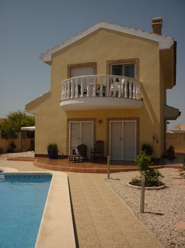 3 bedroom Villa for sale in El Carmoli