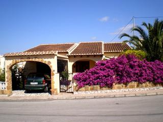 2 bedroom Villa for sale in Orba