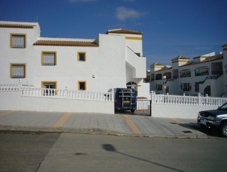 2 bedroom Bungalow for sale in Entre Naranjos