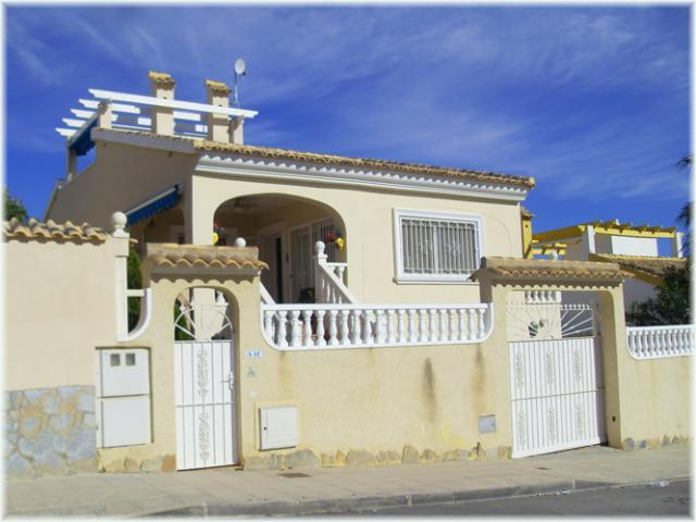 4 Bedroom Villa in Alicante