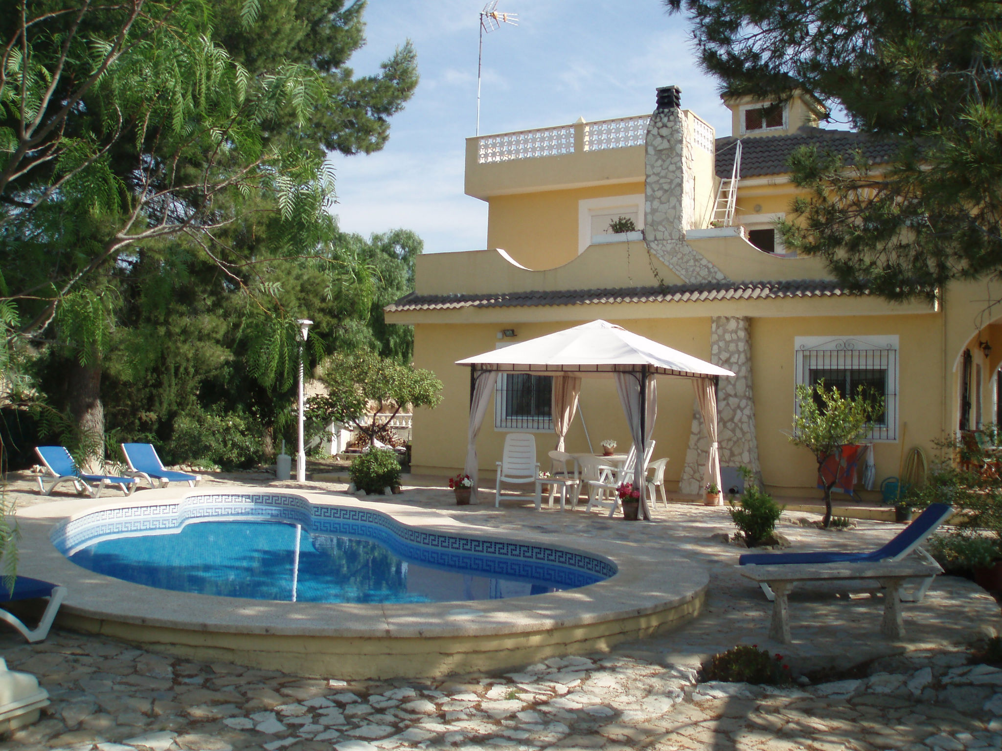 9 bedroom Villa for sale in Aigues