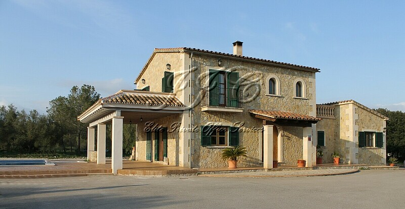 5 bedroom Country House for sale in Algaida