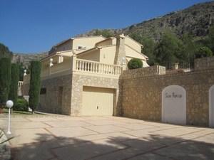 5 bedroom Villa for sale in La Drova
