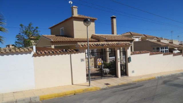 5 bedroom Villa for sale in Villamartin