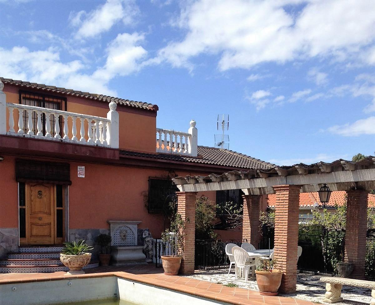 4 bedroom Villa for sale in Otura