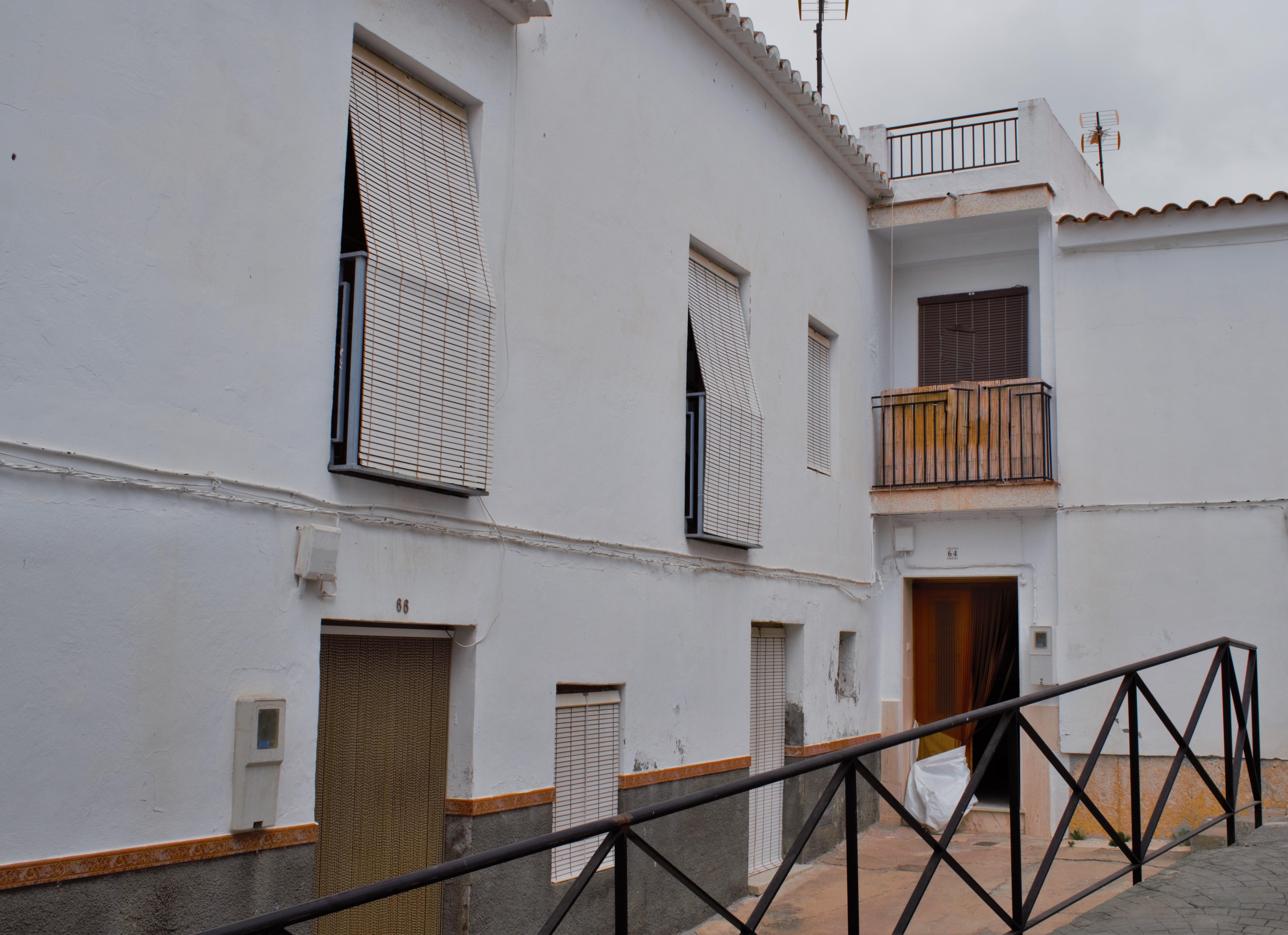 2 bedroom Townhouse for sale in Velez de Benaudalla