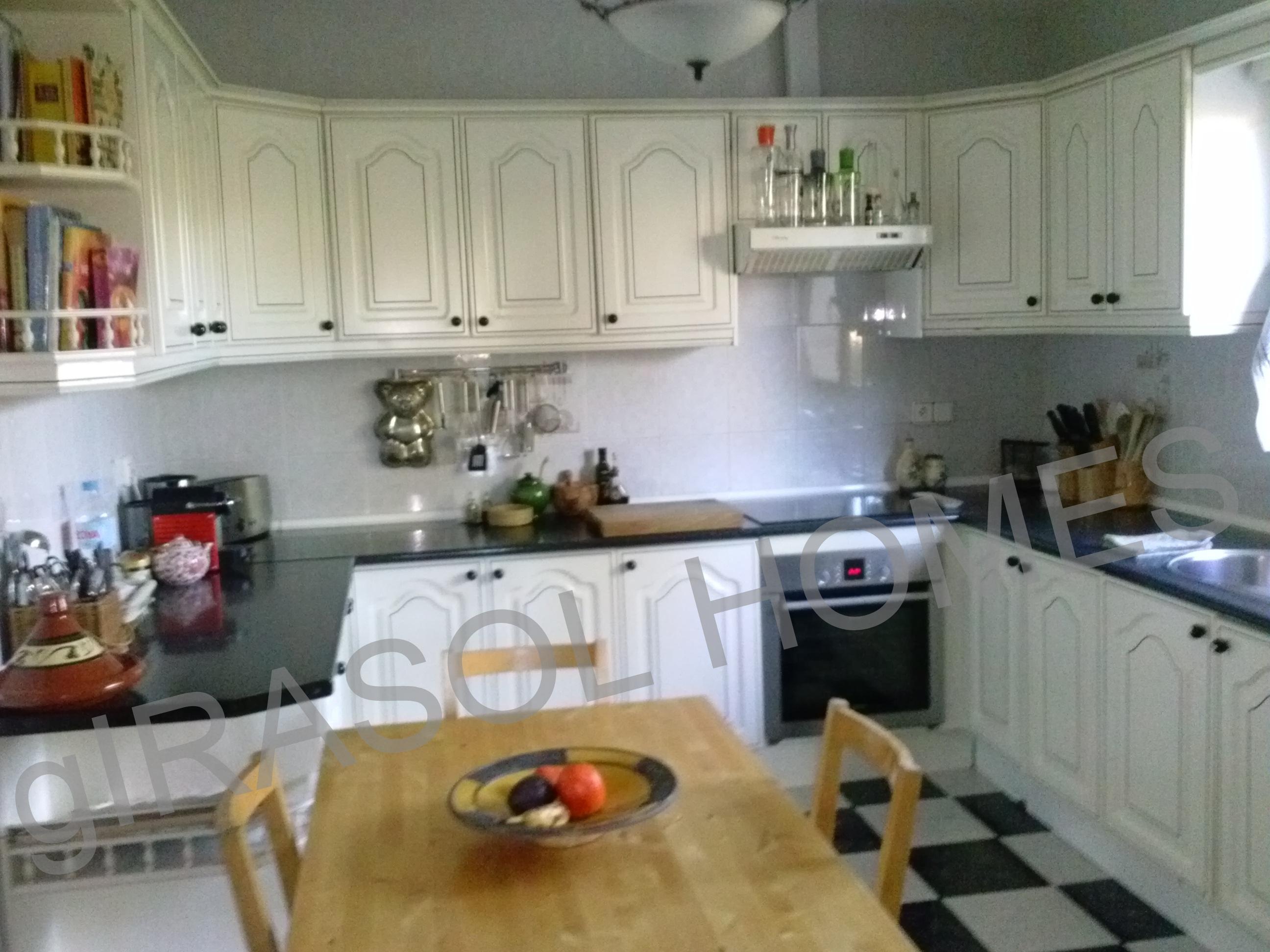 5 bedroom Chalet for sale in Mutxamel