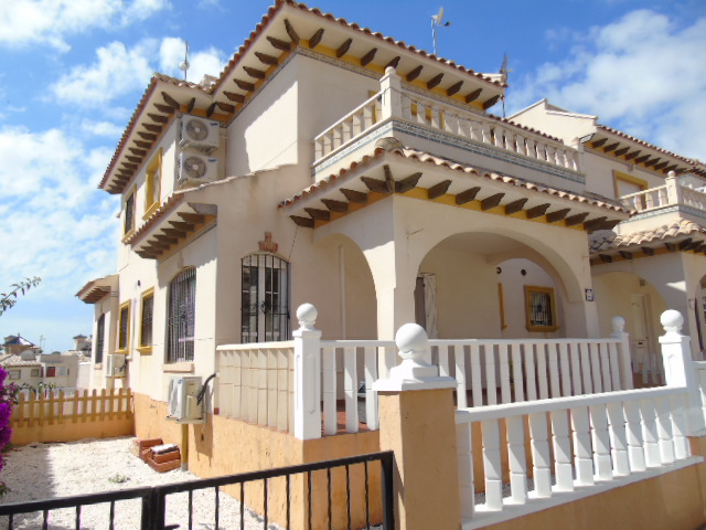 3 bedroom House for sale in Cabo Roig