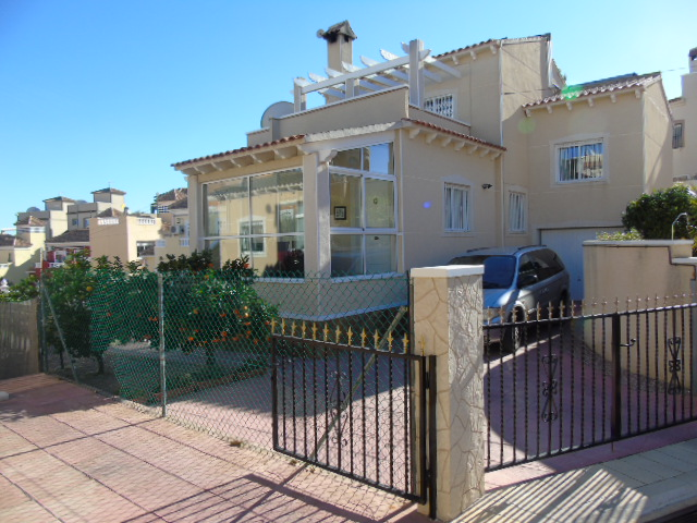 4 bedroom Villa for sale in El Galan