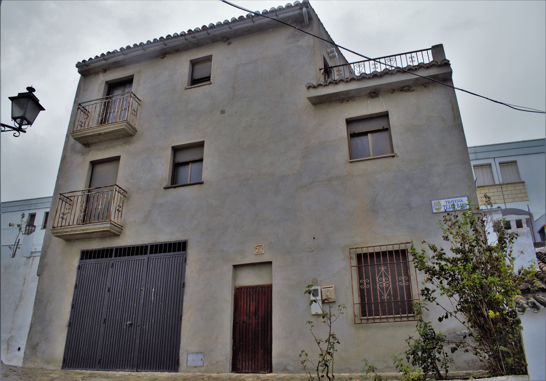 2 bedroom Townhouse for sale in Alhama de Granada
