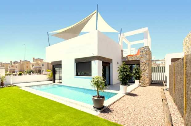2 bedroom Villa for sale in Cabo Roig