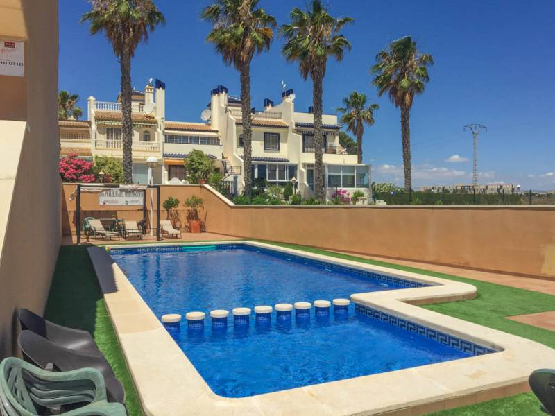 3 bedroom Bungalow for sale in Playa Flamenca