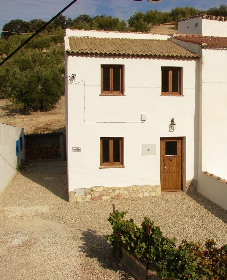 2 bedroom Country House for sale in Algarinejo
