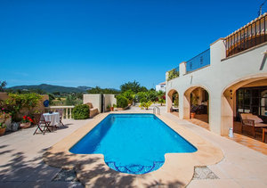 6 Bedroom Property for sale Montgo Valls