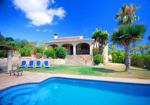 Javea 5 Bedroom Property for Sale by the Golf Course