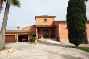 8 bedroom Villa for sale in Denia