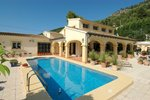 6 bedroom Villa for sale in Orba &euro;950,000