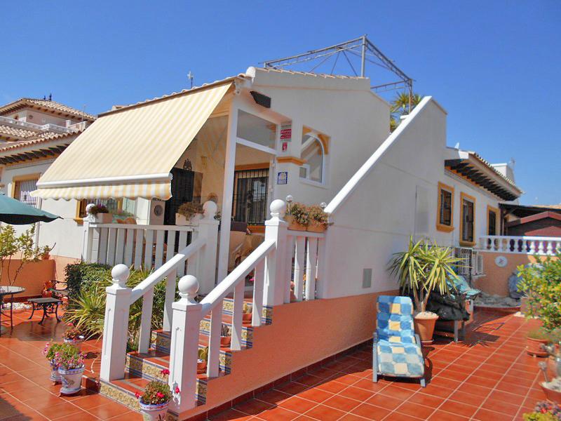2 bedroom Bungalow for sale in Dehesa De Campoamor