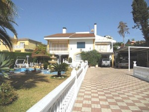 9 bedroom Villa for sale in Malaga